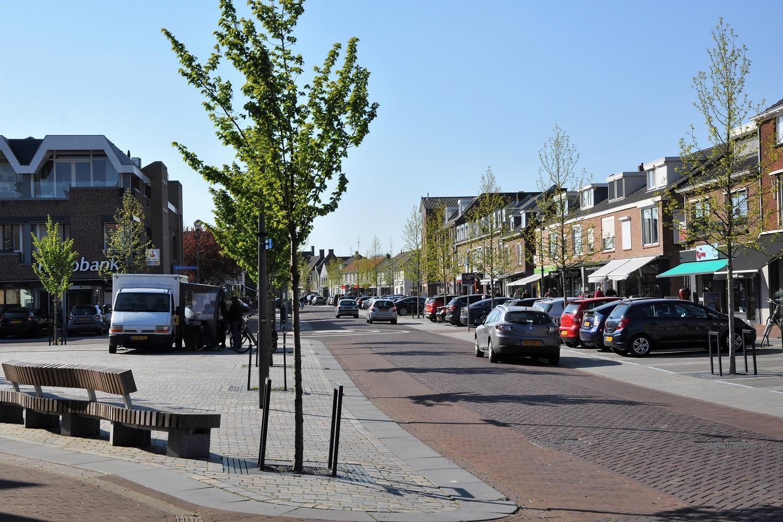 verkeer en vervoer zicht op dorpskern Elst